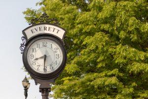 clock outside that says everett